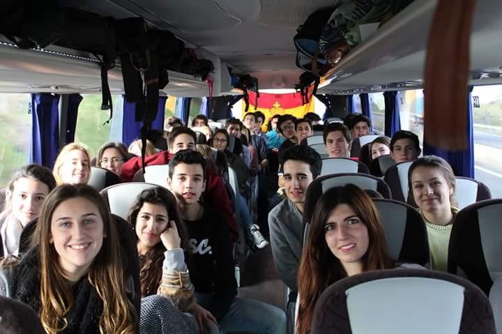 Un grupo de 60 jóvenes de +Vida asiste al I Foro Europeo One of Us en París