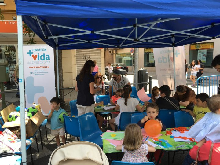Cientos de niños participan en las actividades de +Vida en el Día de la Infancia